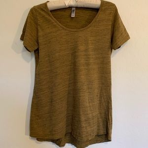 LuLa Roe Simply Comfortable T shirt Top. Sz S